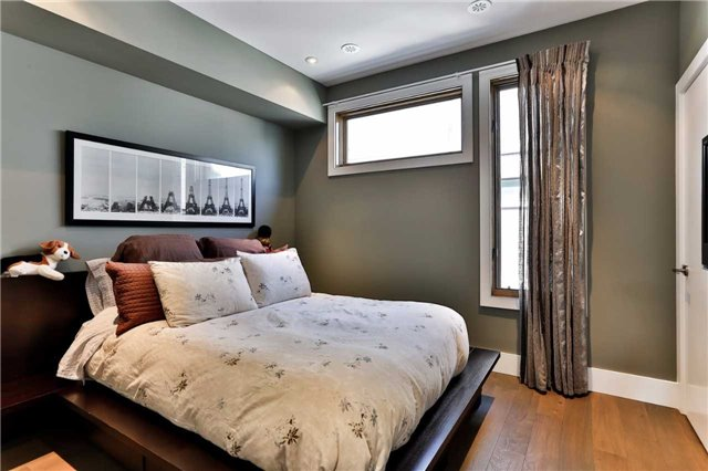 Townhouse at 837 Broadview Ave, Unit 6, Toronto, Ontario. Image 3