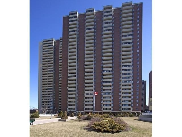 Condo Apartment at 5 Massey Sq, Unit 211, Toronto, Ontario. Image 1