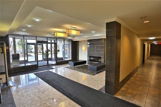Condo Apartment at 5 Greystone Walk Dr, Unit 814, Toronto, Ontario. Image 3