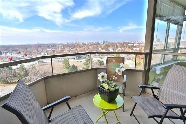 Condo Apartment at 5 Greystone Walk Dr, Unit 814, Toronto, Ontario. Image 4