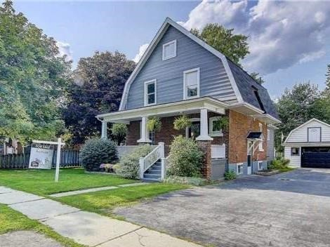 Detached at 406 Walnut St W, Whitby, Ontario. Image 1