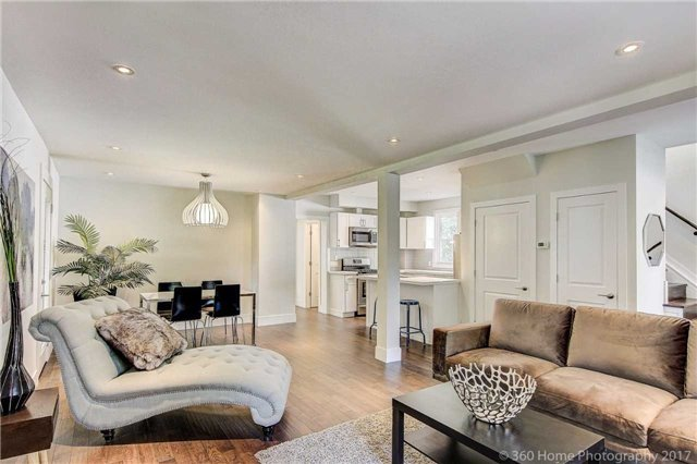 Detached at 406 Walnut St W, Whitby, Ontario. Image 16