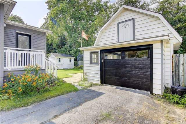 Detached at 406 Walnut St W, Whitby, Ontario. Image 11