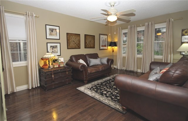 Detached at 1726 Echo Point Crt, Pickering, Ontario. Image 20