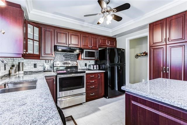 Detached at 97 Kingswood Dr, Clarington, Ontario. Image 12