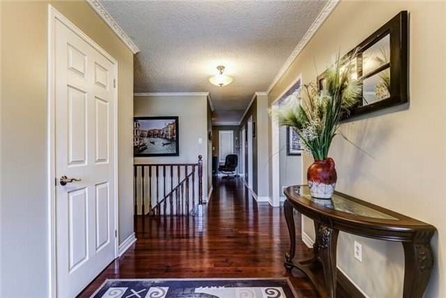 Detached at 97 Kingswood Dr, Clarington, Ontario. Image 4