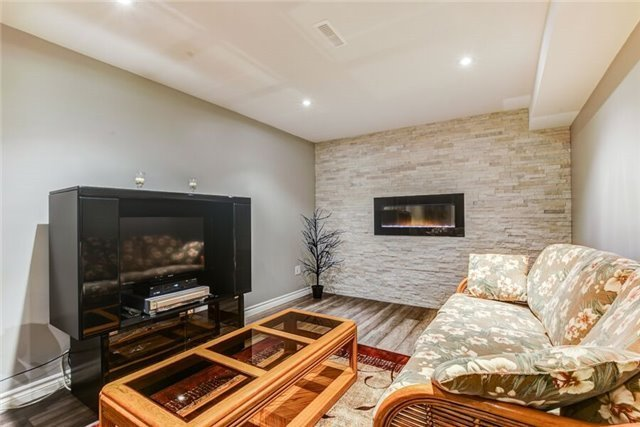 Detached at 97 Kingswood Dr, Clarington, Ontario. Image 6