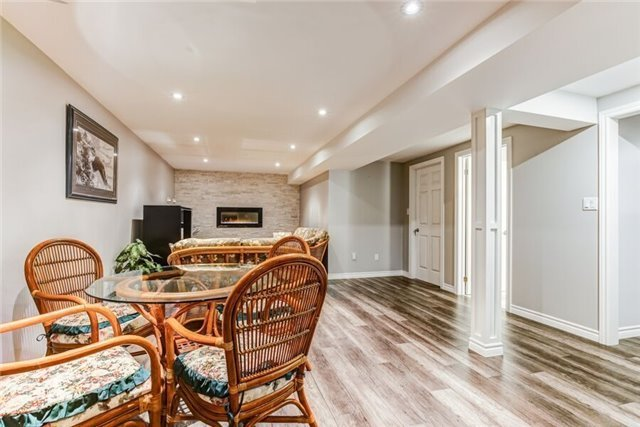 Detached at 97 Kingswood Dr, Clarington, Ontario. Image 7