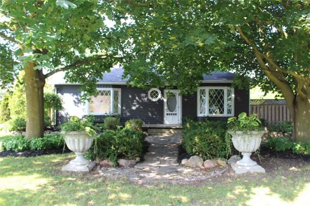 Detached at 1722 Victoria St, Pickering, Ontario. Image 1