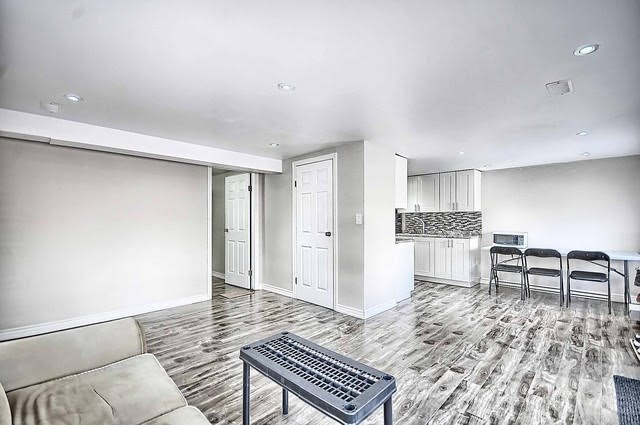 Detached at 4077 Lawrence Ave E, Toronto, Ontario. Image 17