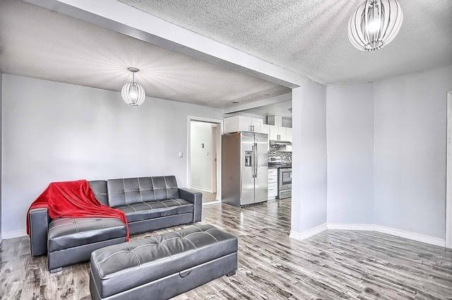 Detached at 4077 Lawrence Ave E, Toronto, Ontario. Image 18