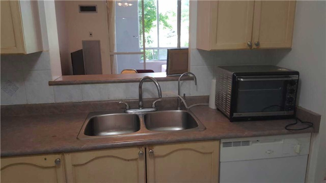Condo Apartment at 2627 Mccowan Rd, Unit 118, Toronto, Ontario. Image 8