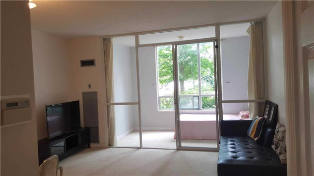 Condo Apartment at 2627 Mccowan Rd, Unit 118, Toronto, Ontario. Image 11