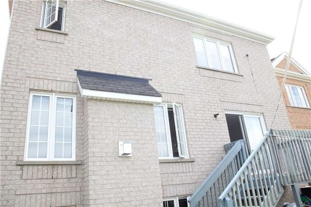 Detached at 20 Dunwell Cres, Ajax, Ontario. Image 13