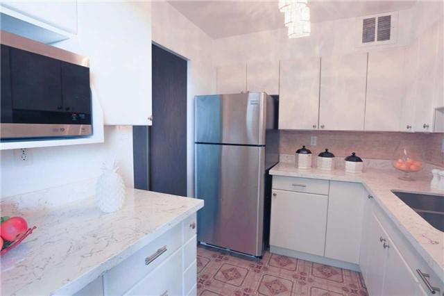 Condo Apartment at 180 Markham Rd, Unit 1403, Toronto, Ontario. Image 15