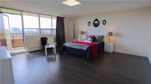 Condo Apartment at 180 Markham Rd, Unit 1403, Toronto, Ontario. Image 17