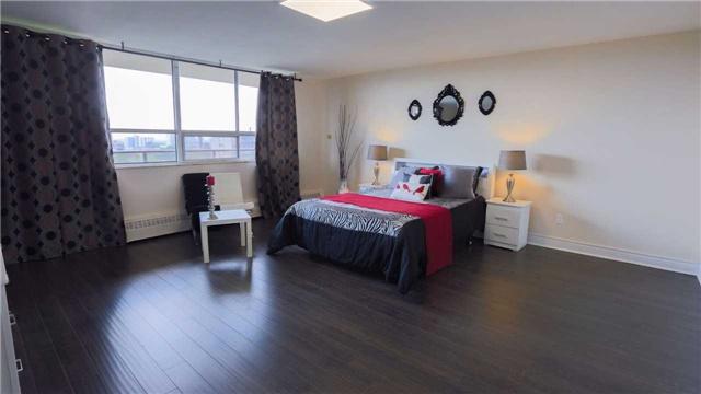 Condo Apartment at 180 Markham Rd, Unit 1403, Toronto, Ontario. Image 18