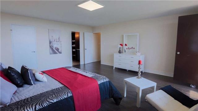 Condo Apartment at 180 Markham Rd, Unit 1403, Toronto, Ontario. Image 19