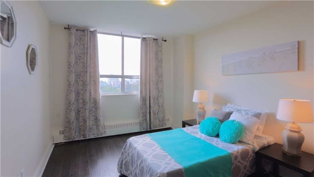 Condo Apartment at 180 Markham Rd, Unit 1403, Toronto, Ontario. Image 2