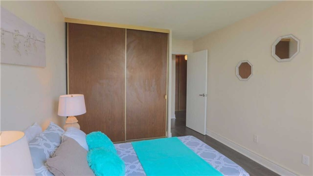 Condo Apartment at 180 Markham Rd, Unit 1403, Toronto, Ontario. Image 3