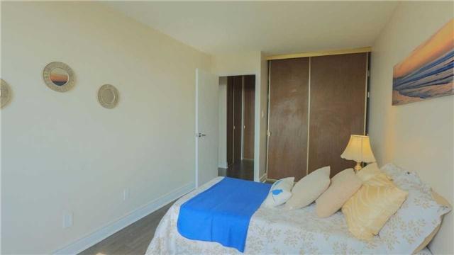 Condo Apartment at 180 Markham Rd, Unit 1403, Toronto, Ontario. Image 5