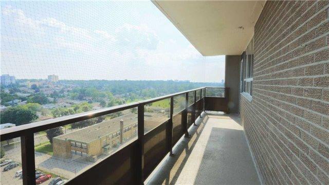 Condo Apartment at 180 Markham Rd, Unit 1403, Toronto, Ontario. Image 10