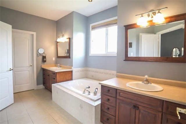 Detached at 9 Brae Valley Dr, Scugog, Ontario. Image 4