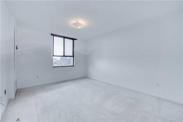 Condo Apartment at 2721 Victoria Park Ave, Unit 704, Toronto, Ontario. Image 2