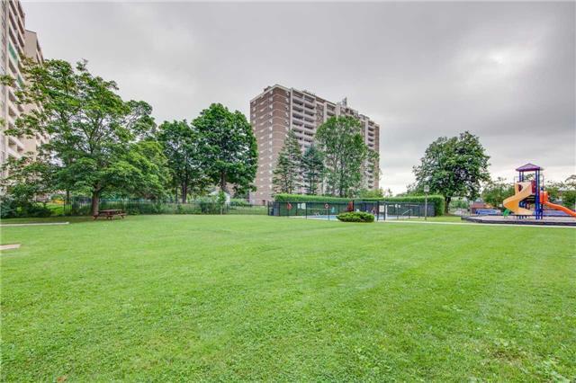 Condo Apartment at 2721 Victoria Park Ave, Unit 704, Toronto, Ontario. Image 13