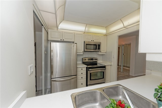 Condo Apartment at 88 Corporate Dr, Unit 1820, Toronto, Ontario. Image 18