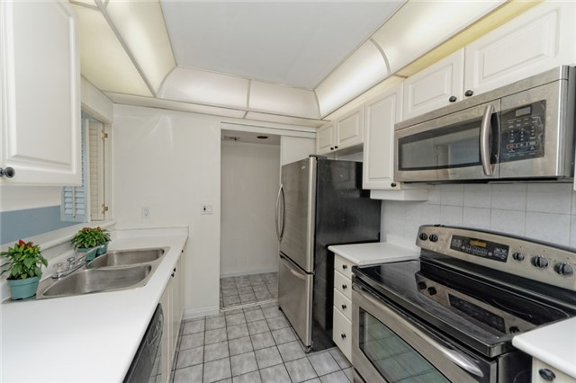 Condo Apartment at 88 Corporate Dr, Unit 1820, Toronto, Ontario. Image 3