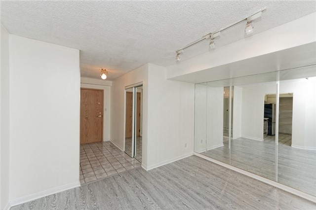 Condo Apartment at 88 Corporate Dr, Unit 1820, Toronto, Ontario. Image 4