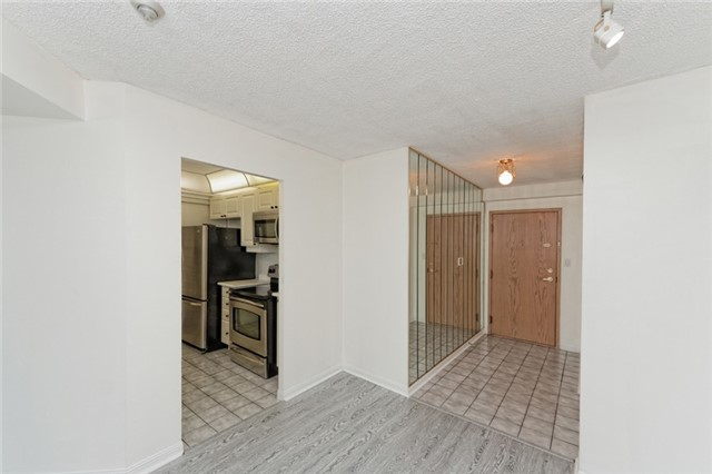 Condo Apartment at 88 Corporate Dr, Unit 1820, Toronto, Ontario. Image 6