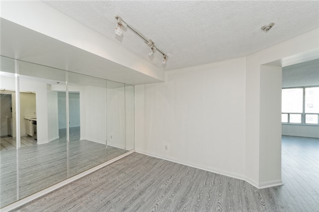 Condo Apartment at 88 Corporate Dr, Unit 1820, Toronto, Ontario. Image 7