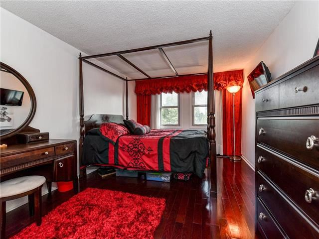 Detached at 29 Chadwick Dr, Ajax, Ontario. Image 12