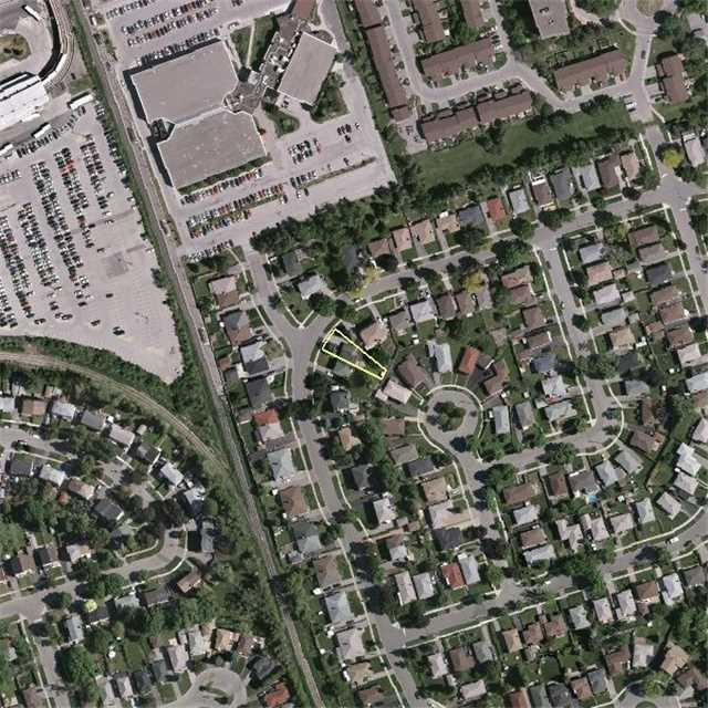 Semi-detached at 143 Benjamin Blvd, Toronto, Ontario. Image 7