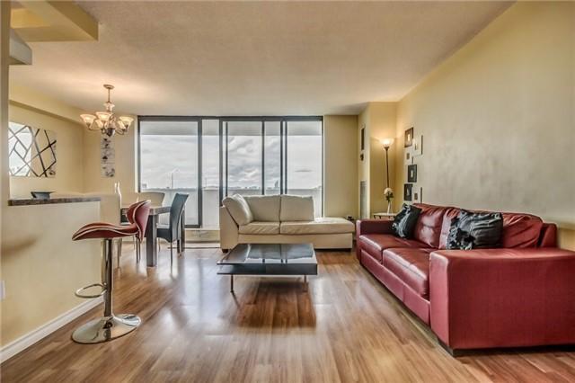 Condo Apartment at 301 Prudential Dr, Unit 612, Toronto, Ontario. Image 12