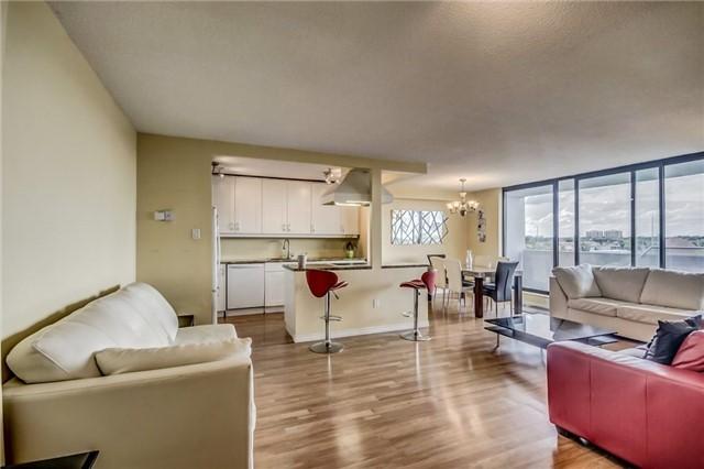 Condo Apartment at 301 Prudential Dr, Unit 612, Toronto, Ontario. Image 14