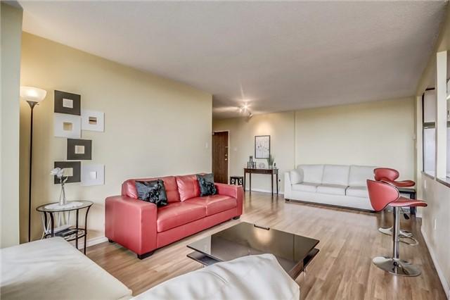Condo Apartment at 301 Prudential Dr, Unit 612, Toronto, Ontario. Image 15