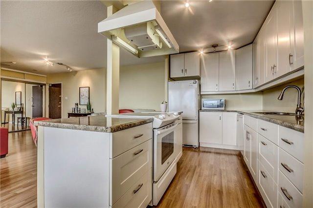 Condo Apartment at 301 Prudential Dr, Unit 612, Toronto, Ontario. Image 17