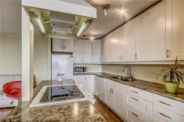 Condo Apartment at 301 Prudential Dr, Unit 612, Toronto, Ontario. Image 19