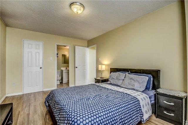 Condo Apartment at 301 Prudential Dr, Unit 612, Toronto, Ontario. Image 20