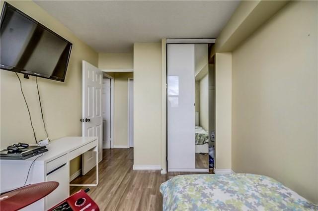 Condo Apartment at 301 Prudential Dr, Unit 612, Toronto, Ontario. Image 4