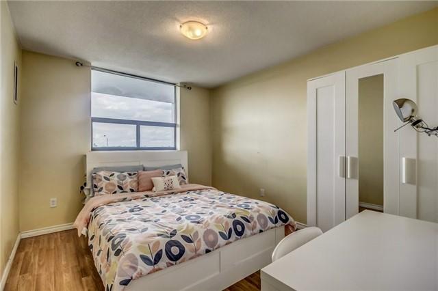 Condo Apartment at 301 Prudential Dr, Unit 612, Toronto, Ontario. Image 5
