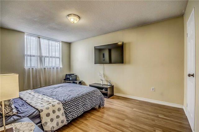 Condo Apartment at 301 Prudential Dr, Unit 612, Toronto, Ontario. Image 8