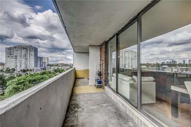 Condo Apartment at 301 Prudential Dr, Unit 612, Toronto, Ontario. Image 11