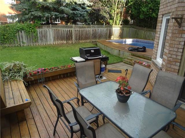 Detached at 19 William Stephenson Dr, Whitby, Ontario. Image 11