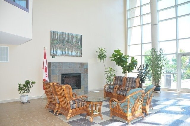 Condo Apartment at 452 Scarborough Golf Clu Rd, Unit 201, Toronto, Ontario. Image 11