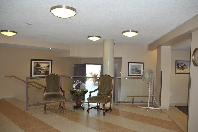 Condo Apartment at 452 Scarborough Golf Clu Rd, Unit 201, Toronto, Ontario. Image 14