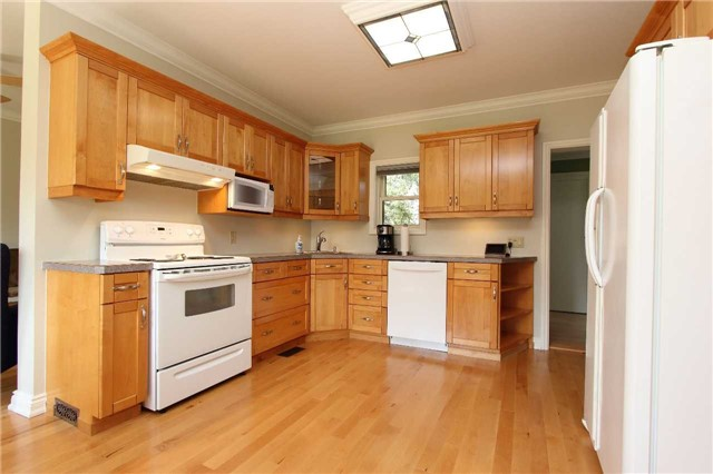 Detached at 32 Andrew St, Clarington, Ontario. Image 15